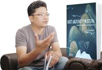 Chirag Bangdel with book
